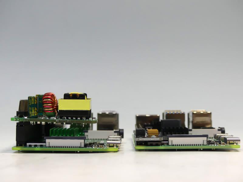 DSLRKIT(左)は高さが3.5cmほどになってしまう。UCTRONICSはオリジナルの高さを維持