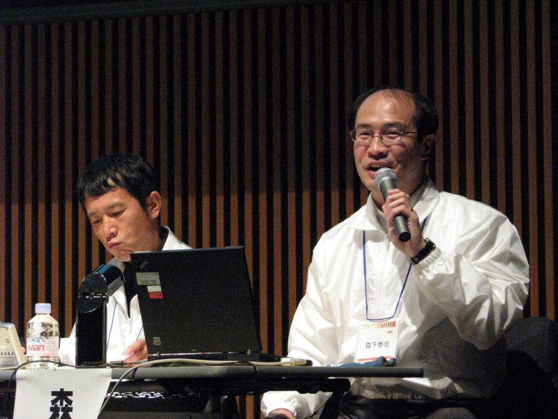 日本レジストリサービスの森下泰宏氏(右)と民田雅人氏(左)