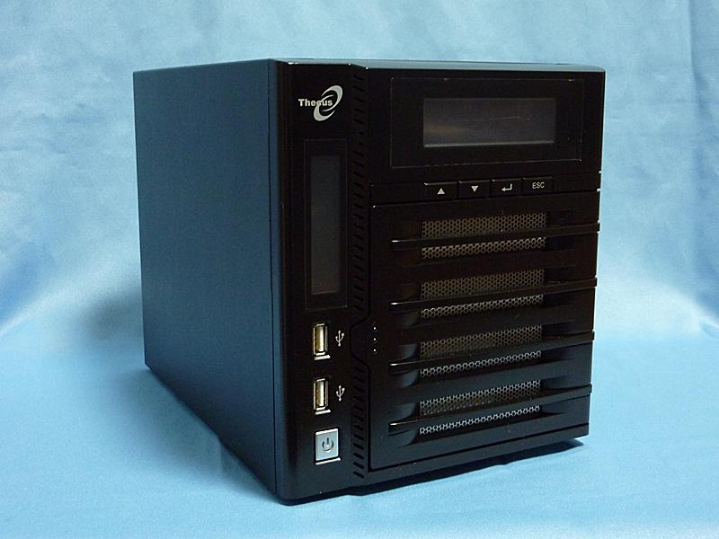 Thecusの「N4200」。スモールビジネス向けに位置づけられているミドルレンジのNAS