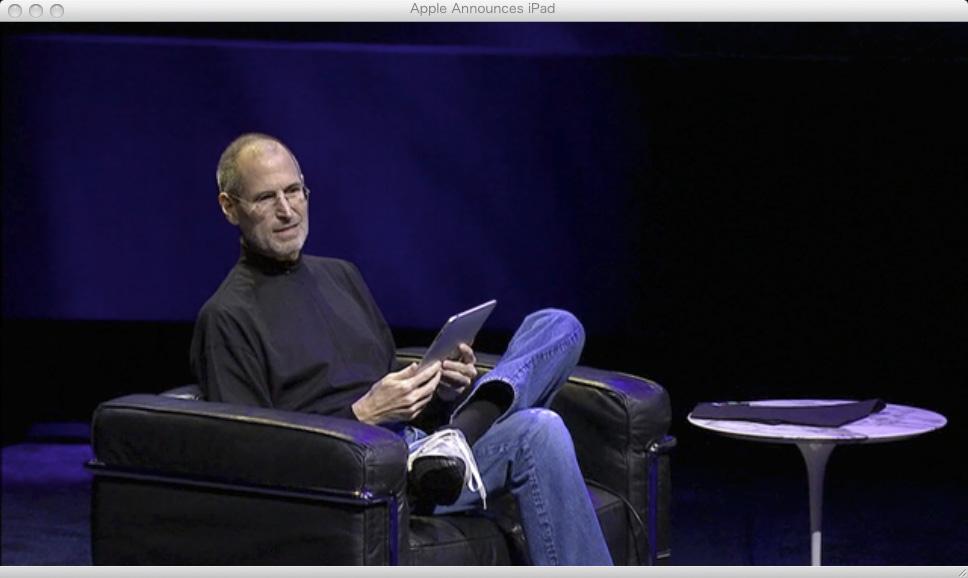 iPadをプレゼンするアップルのジョブズCEO