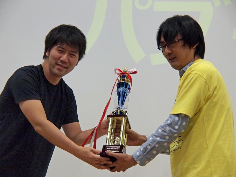 グリーの田中社長(左)とpaperboy&co.の吉田健吾氏