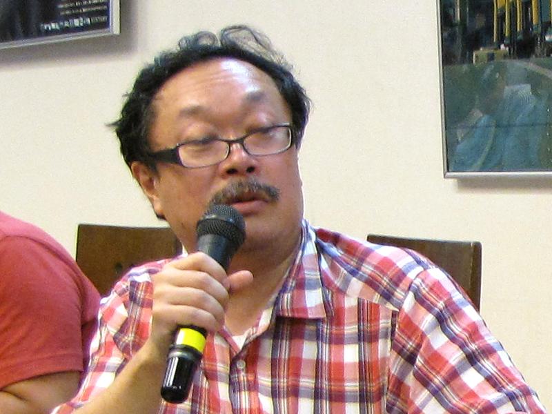 竹熊健太郎氏。さまざまな余談を交えながら電子書籍の未来を論じた