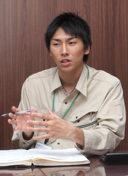 岩谷謙太氏