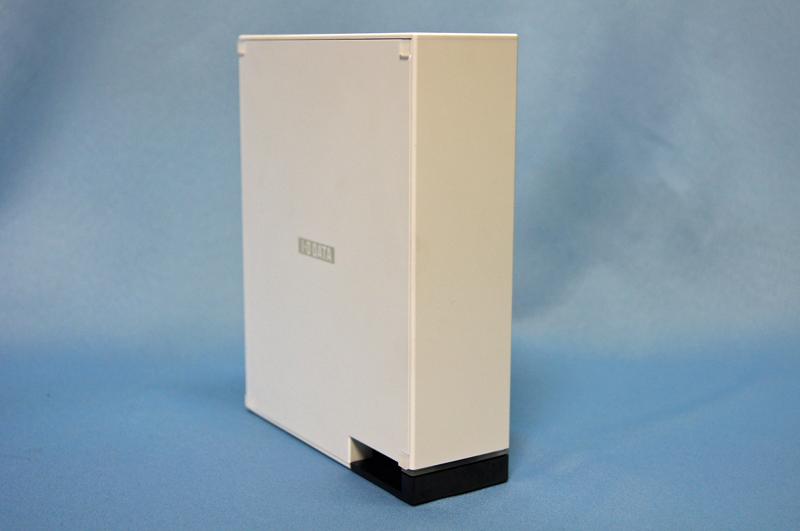 アイ・オー・データ機器の「HDL-CE1.0」。低価格ながら多機能、高性能なNASとなっている