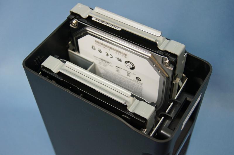 内蔵ハードディスクは簡単に取り外せる