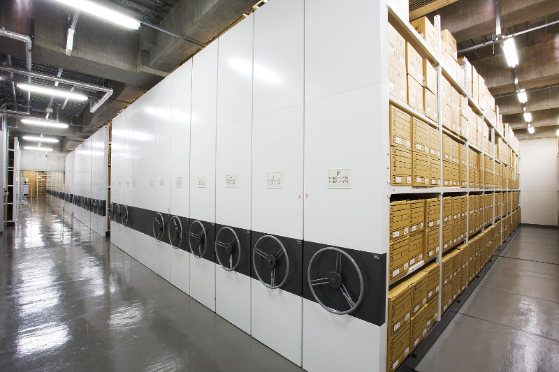 蔵書を保管する倉庫