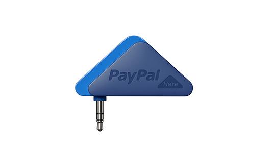 「PayPal Here」で使用するドングル。iPhoneのヘッドホンジャックに差し込む