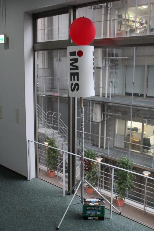 会場内の各所に設置されたIMES送信機