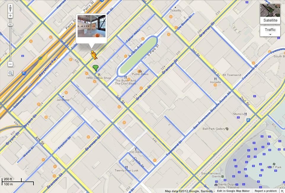 """""""ペグマン""""を地図上にドラッグすると、「おみせフォト」が公開されている場所がオレンジ色の丸印で表示される(Google Lat Long Blogより画像転載)"""