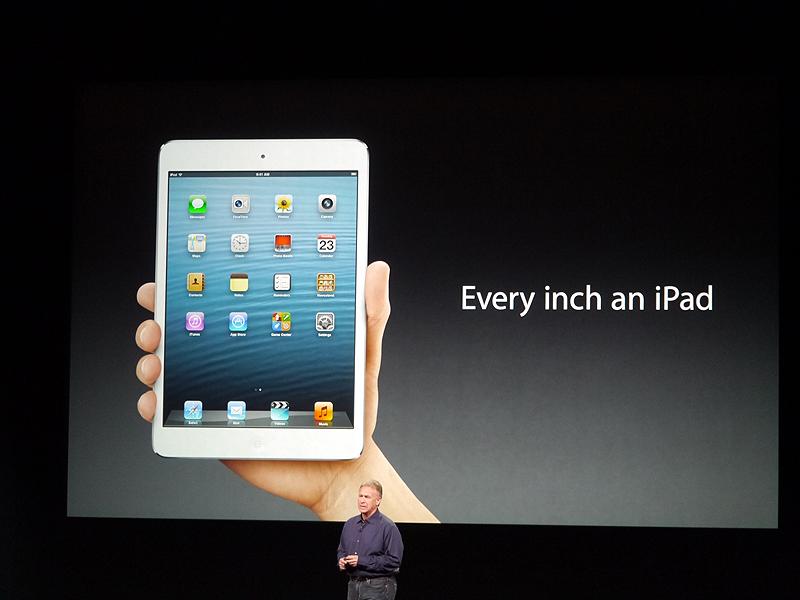 iPad miniのキャッチフレーズは「Every inch an iPad」。日本語では「ミニなのは、サイズだけ。」