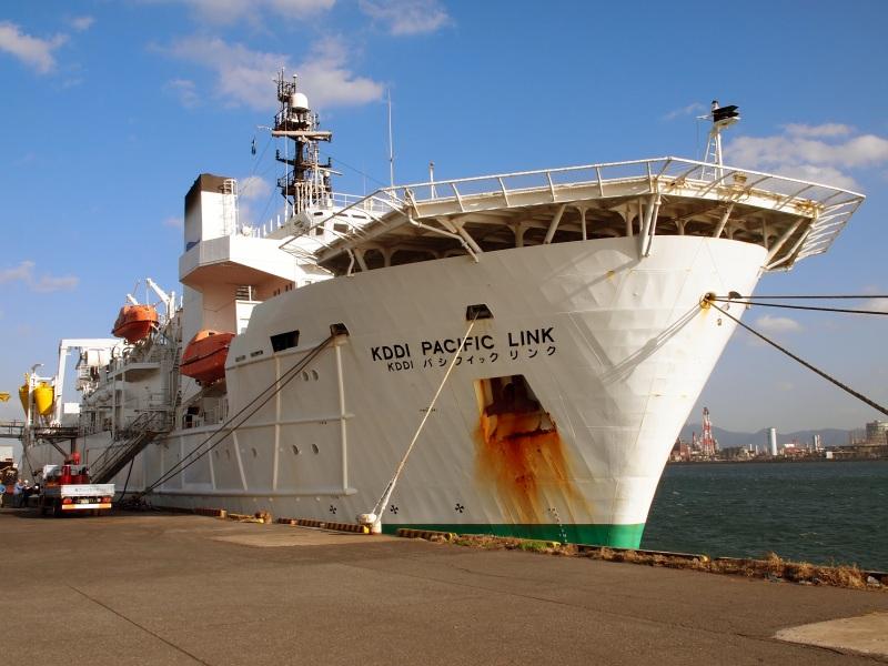 海底ケーブル敷設船「KDDIパシフィックリンク」