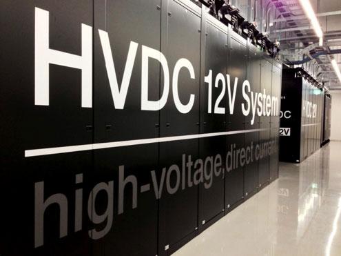 石狩データセンター商用環境のHVDC DC12Vシステムのサーバーラック
