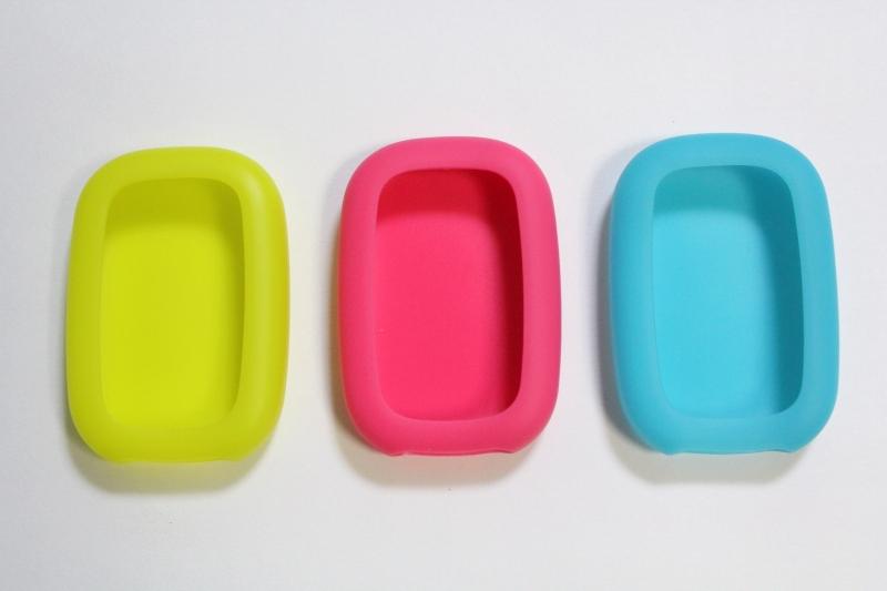 シリコンカバーが3色付属