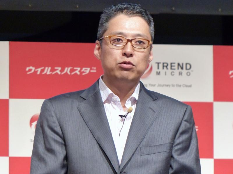 トレンドマイクロ株式会社上席執行役員 コンシューマビジネス統括本部長の大場章弘氏。「ウイルスバスター」新製品の強化ポイントなどを説明した