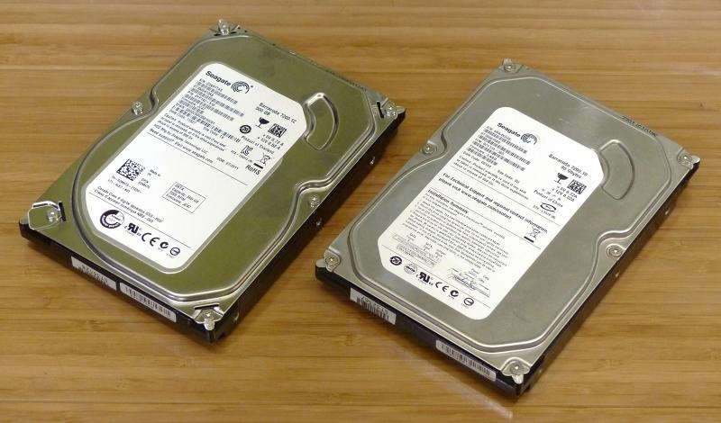 """Seagate Technology製HDD「Barracuda」。左が""""F3""""モデルだという"""
