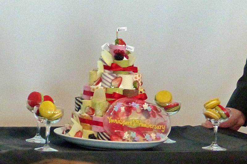 女子向けワークショップということもあり、サプライズでYouth Spark1周年記念のケーキも登場