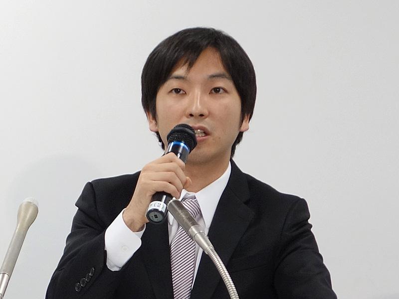 朝倉祐介氏は社長を退任し、顧問に就任する(写真は2013年11月当時)