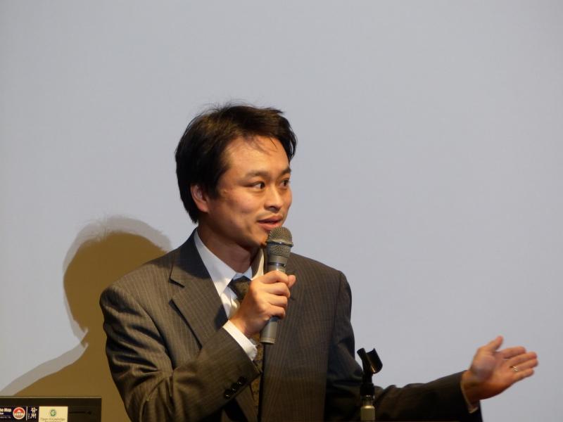関本義秀氏