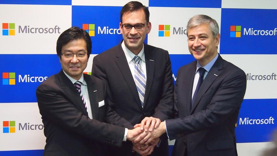 (左から)樋口泰行氏、平野拓也氏、ジャンフィリップ・クルトワ氏