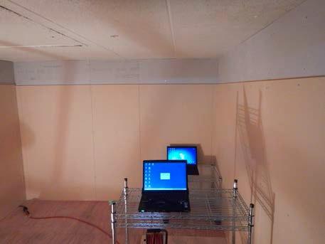 電磁波シールド壁試験室内