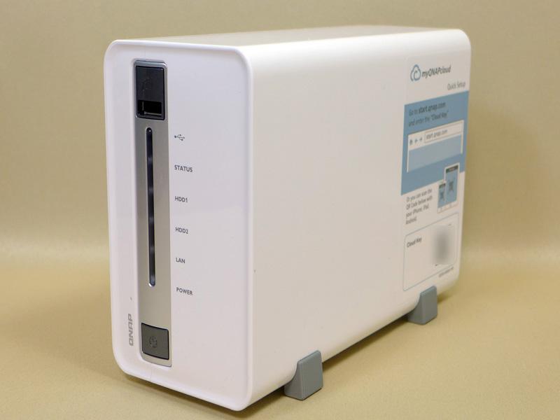 QNAPのエントリー向けNAS「TS-212P」。2万円以下の低価格なNASながら、豊富な機能と高い性能を備えている