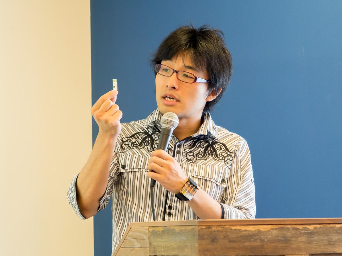 「Blue Ninja」を持つ株式会社Cerevo代表取締役社長の岩佐琢磨氏