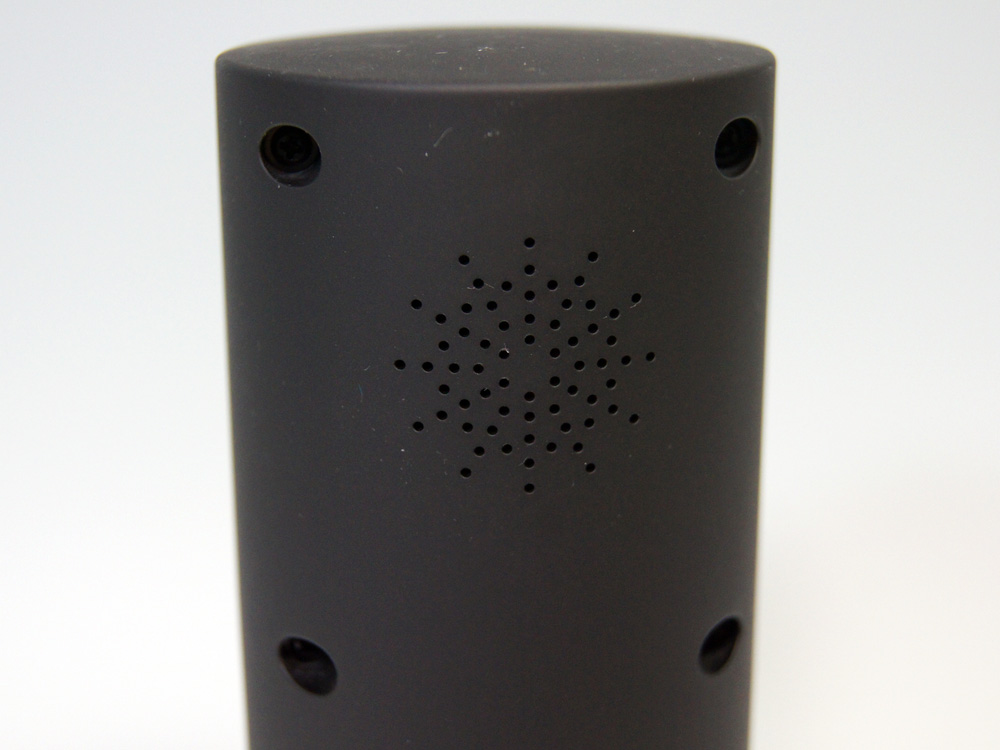 音声出力用のスピーカーを背面に内蔵
