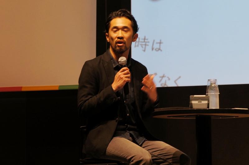モデレーターの本間勇輝氏(「東北復興新聞」発行人)