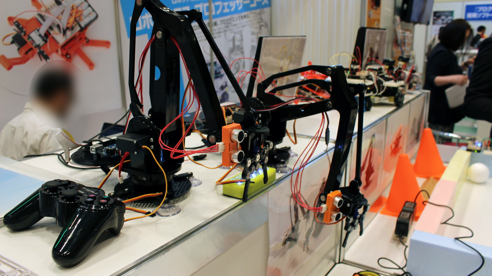 Arduinoや一般的に市販されているコントローラーなど、入手しやすいパーツで構成されているのが特徴