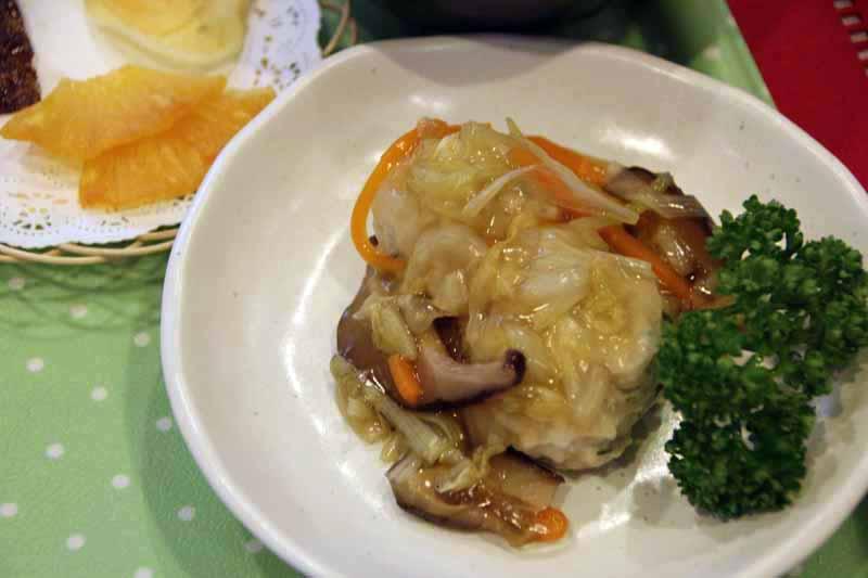 300kcal以下のヘルシーメニュー「鶏だんごの中華あんかけ」