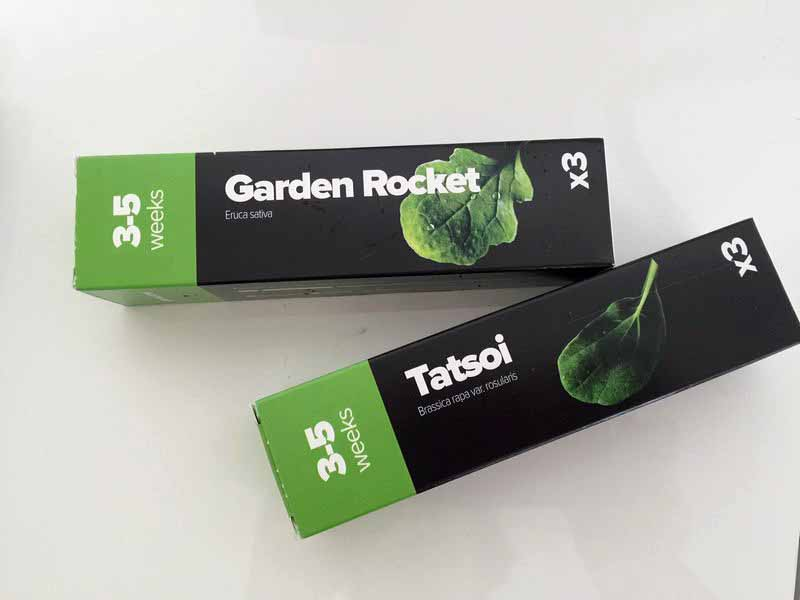 今回、選んだ種はGarden Rocket(ルッコラ)と、Tatsoi(ターツァイ)の2種類。生長の度合いが同じものを組み合わせるのがポイントだ