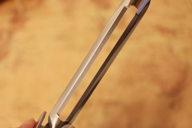 刃だけで約10㎝もある。