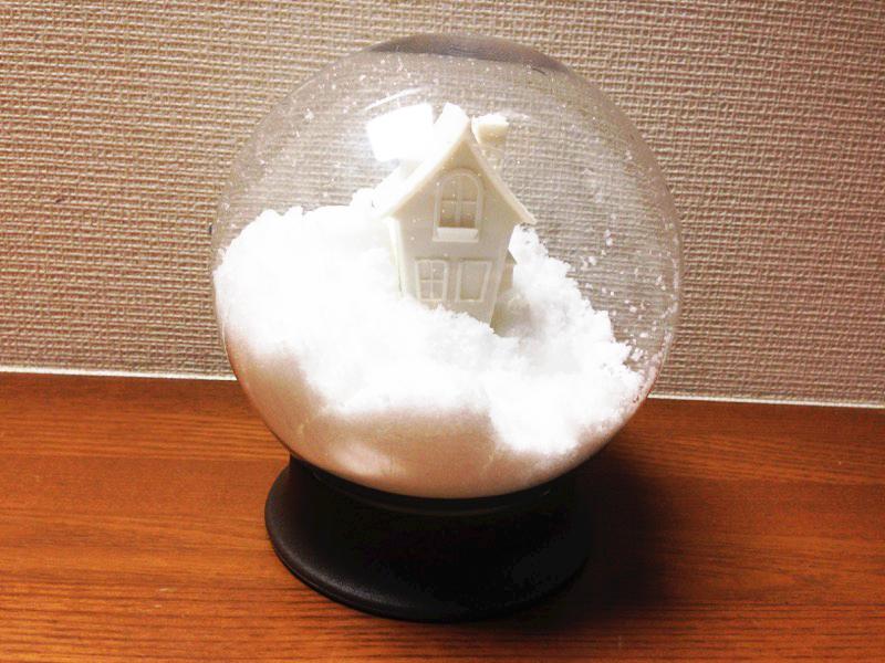 砂糖を入れるとお家が雪に埋もれているよう