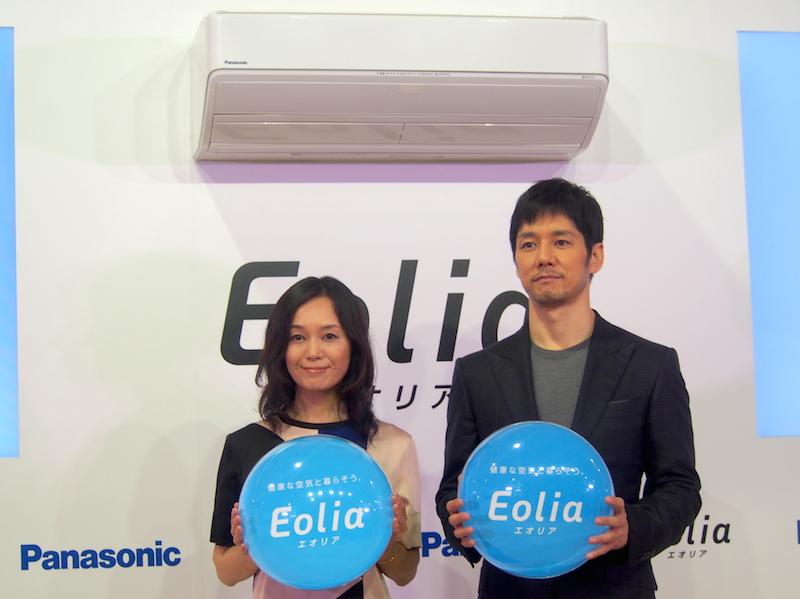 今回も夫婦役を務めた奥貫薫さん(左)、西島秀俊さん