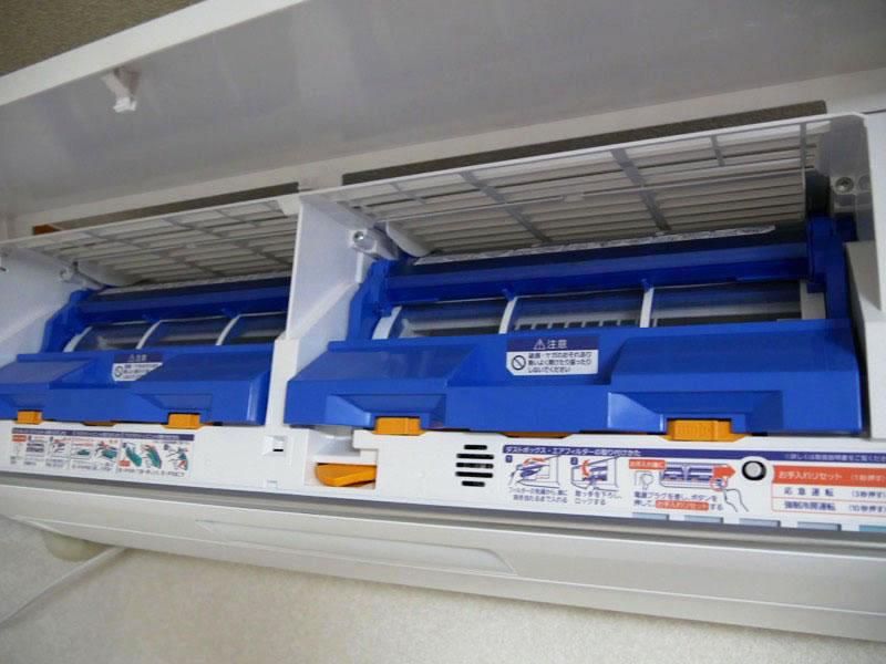 エアコンのフィルターは自動でお掃除してくれる