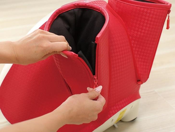 ファスナーが付いており、ゆったりとした設計で足を入れやすいという
