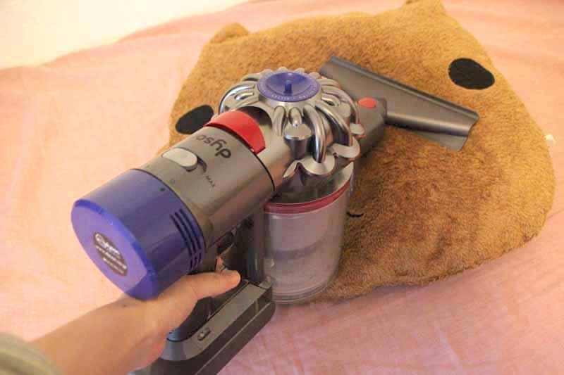 フトンツールはデリケートな生地のものに。クッションを掃除