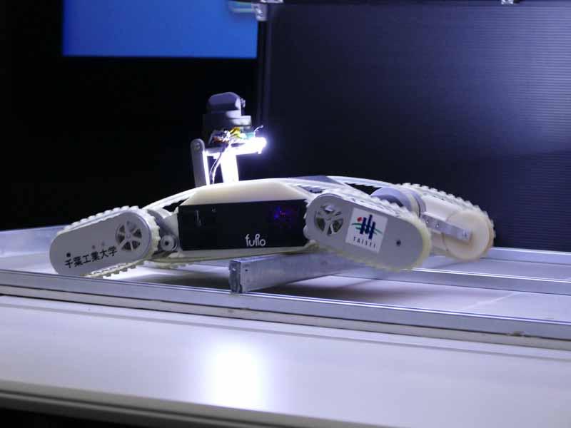 遠隔操作型の探査ロボット「CHERI」