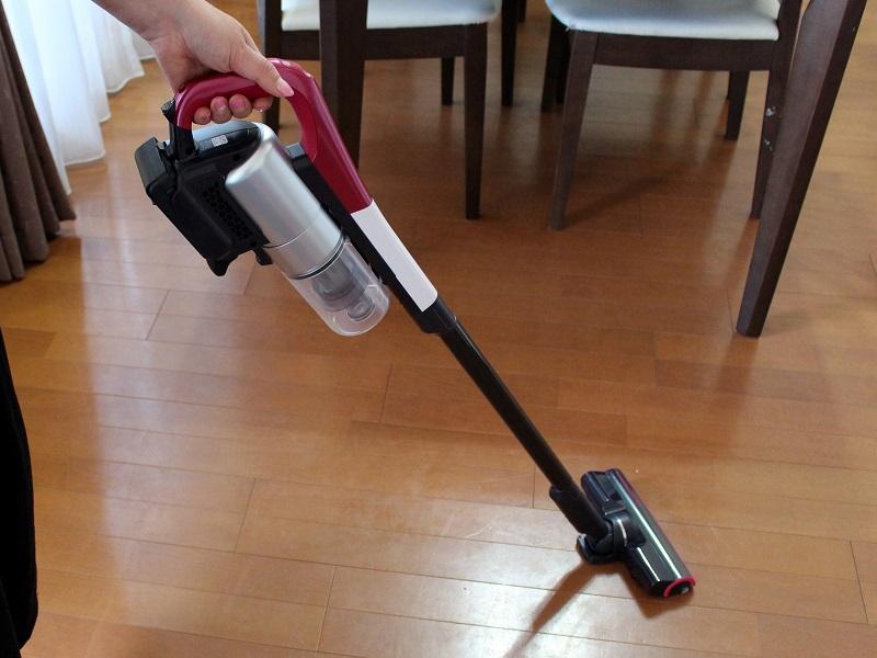 シャープのコードレススティック掃除機「ラクティブ エア EC-A1R」