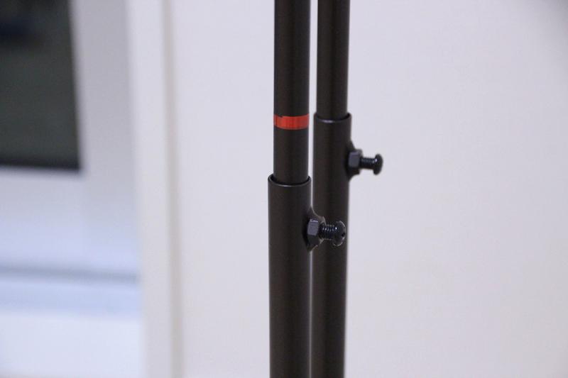 赤い線がストップマークになっており、このマークが出ないように高さ調節する