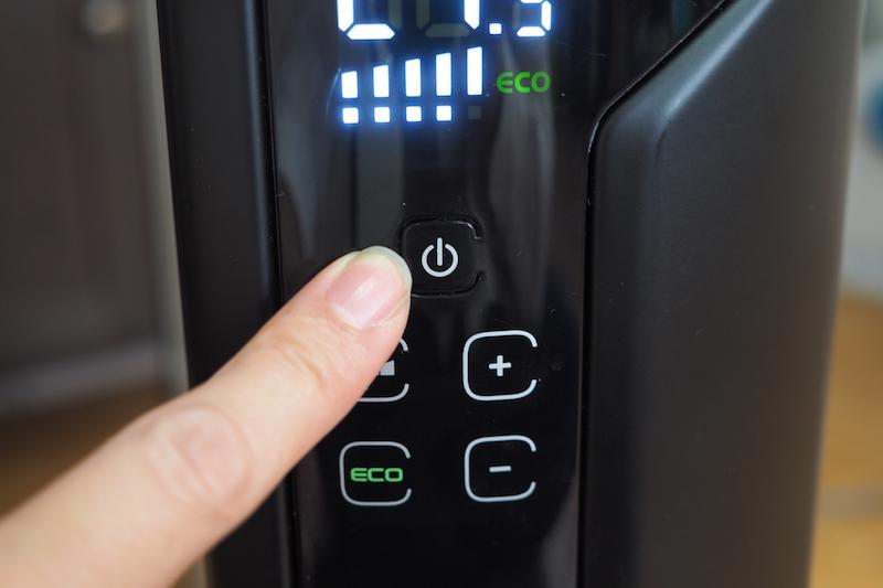 電源ボタンは少し固め