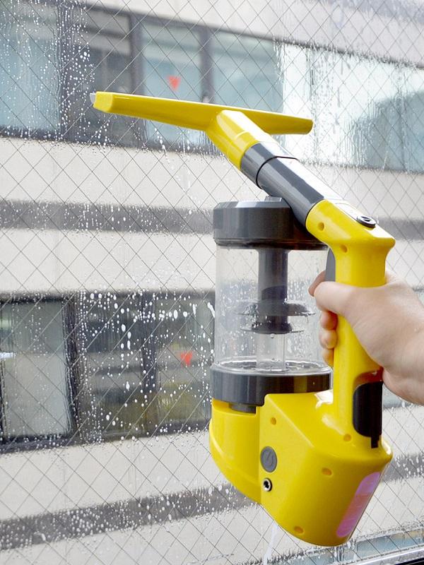 窓掃除で濡れた窓ガラスや、結露の水分も吸引