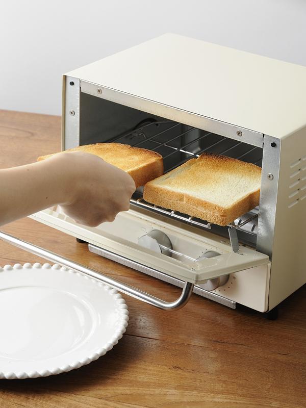 食パン2枚を並べて焼けるサイズ