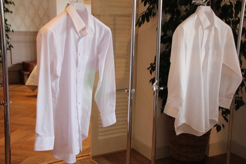 濡れたシャツ(左)に光が照射され集中的に送風する