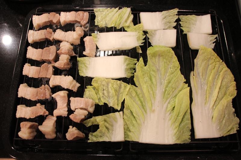 15分で完成した。冷凍状態だった豚バラ肉もちゃんと蒸し上げられていた