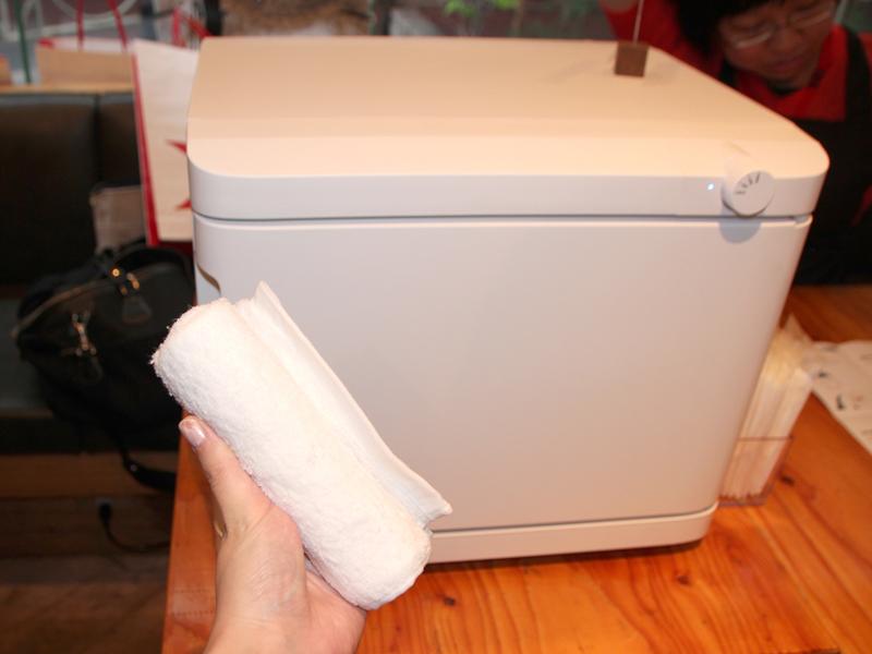 おしぼり専用冷温庫「REION」。Lサイズ