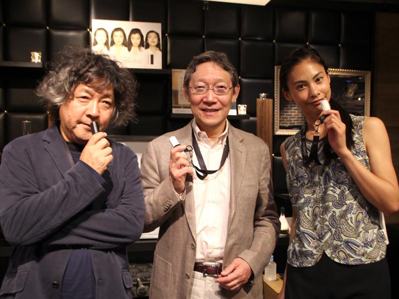 スペシャルトークイベントに登壇した、脳科学者の茂木 健一郎さん、杏林大学名誉教授の古賀 良彦さん、モデル&アロマインストラクター原 裕美子さん