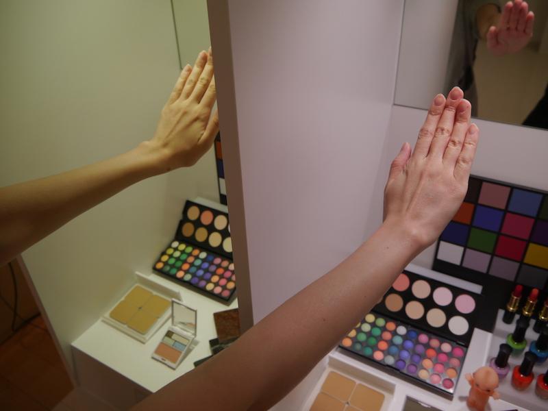 肌の色をきれいにみせることができる美光色