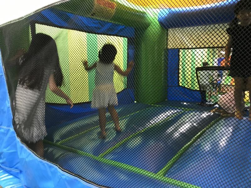 ふわふわパークにはふわふわ遊具がたくさん、ジャンプし放題!