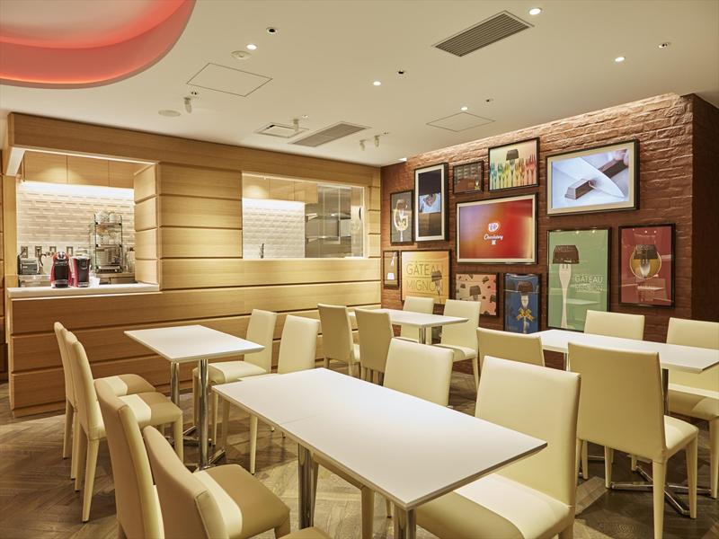 2階のカフェでは、高木シェフが考案したメニューが楽しめる